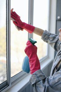 6 Factors to Consider When Choosing a Window Cleaning Service