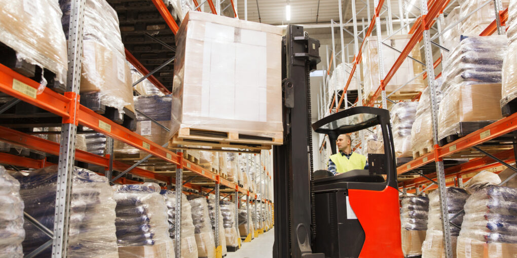 Elevate Your Education: How a Hydraulic Forklift Works