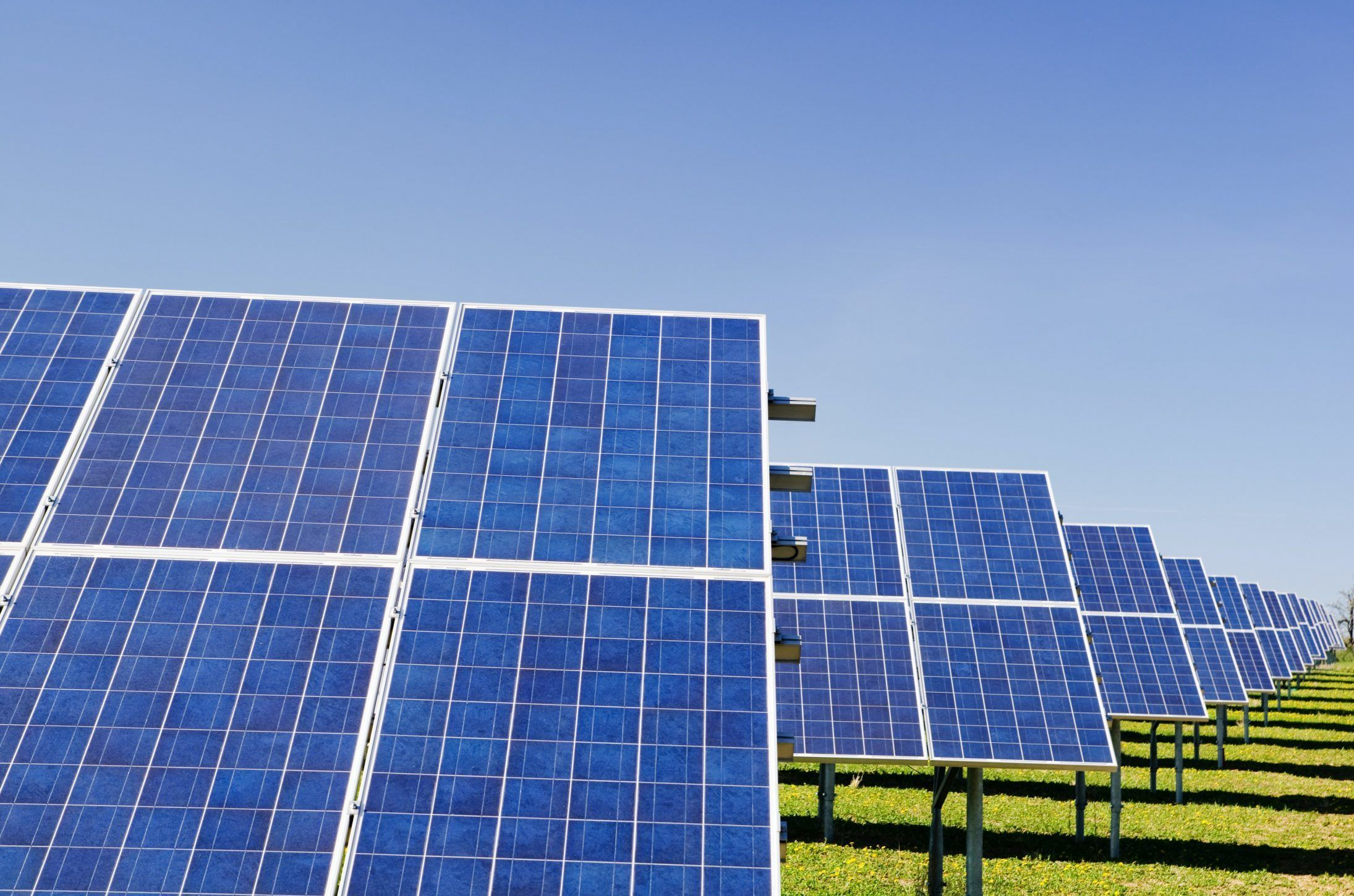 How You Can Select the Best Battery for Your Solar Energy System