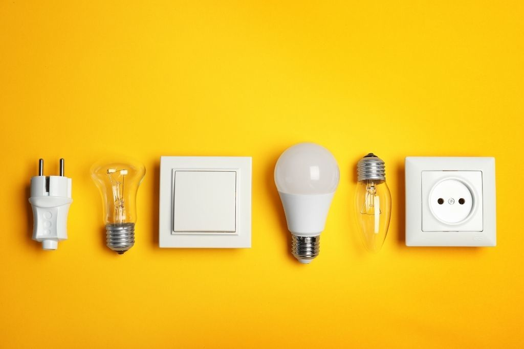 Save up on your electricity bills by hiring the services of an electrician 1