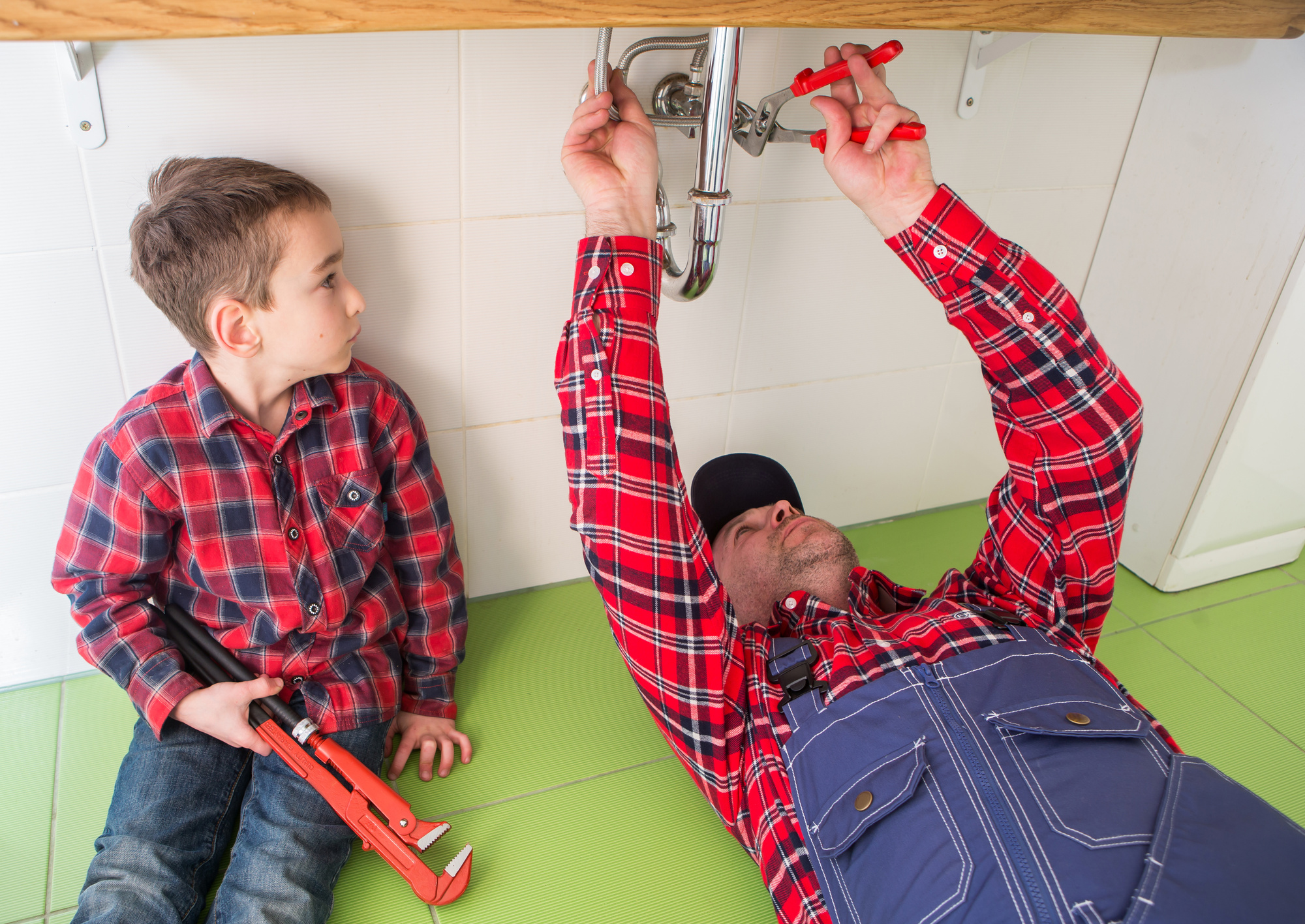 10 Must-Have Tools for Plumbers