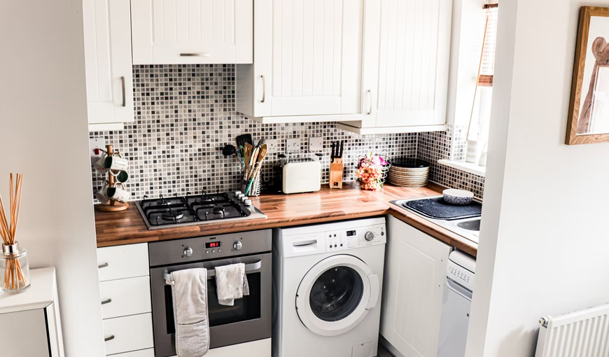 How To Properly Deal With A Small Kitchen Space: Clever Ideas