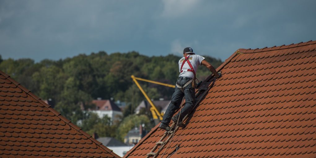 6 Tips To Help You Choose The Right Roof Material For Your Home